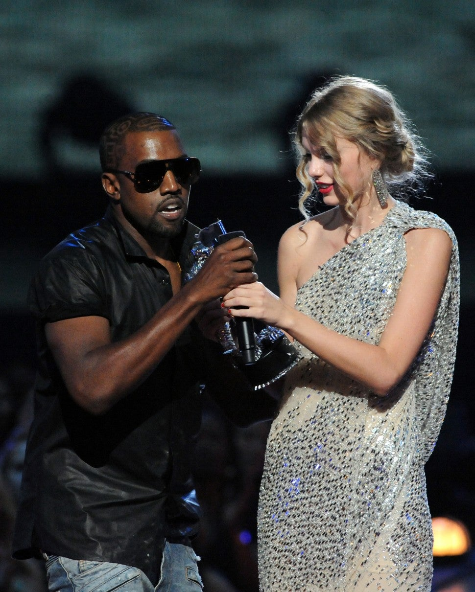Taylor Swift Vs Kanye West And Kim Kardashian The Complete Timeline Of Their Feud Entertainment Tonight