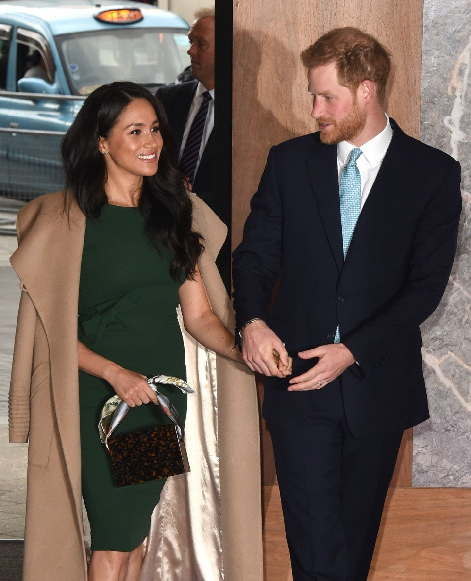 prince harry reassures meghan markle about her post baby body 5 months after giving birth entertainment tonight prince harry reassures meghan markle