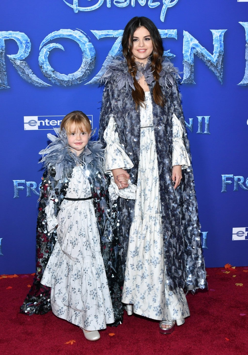 selena gomez and sister gracie teefey at frozen 2 premiere