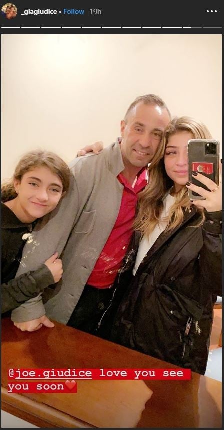 Joe Giudice with daughters