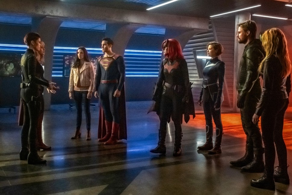 crisis on infinite earths supergirl arrow the flash superman