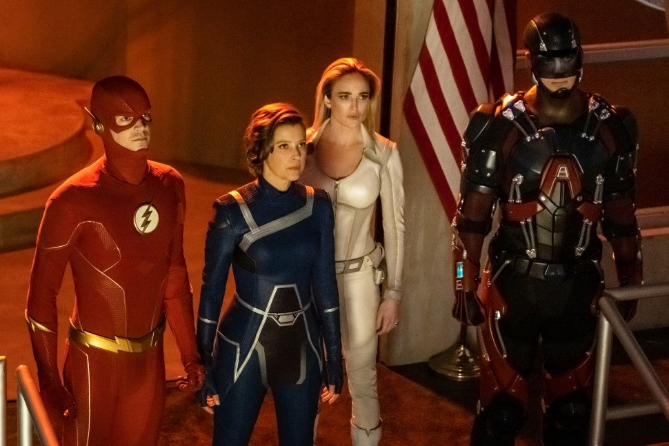 crisis on infinite earths legends of tomorrow