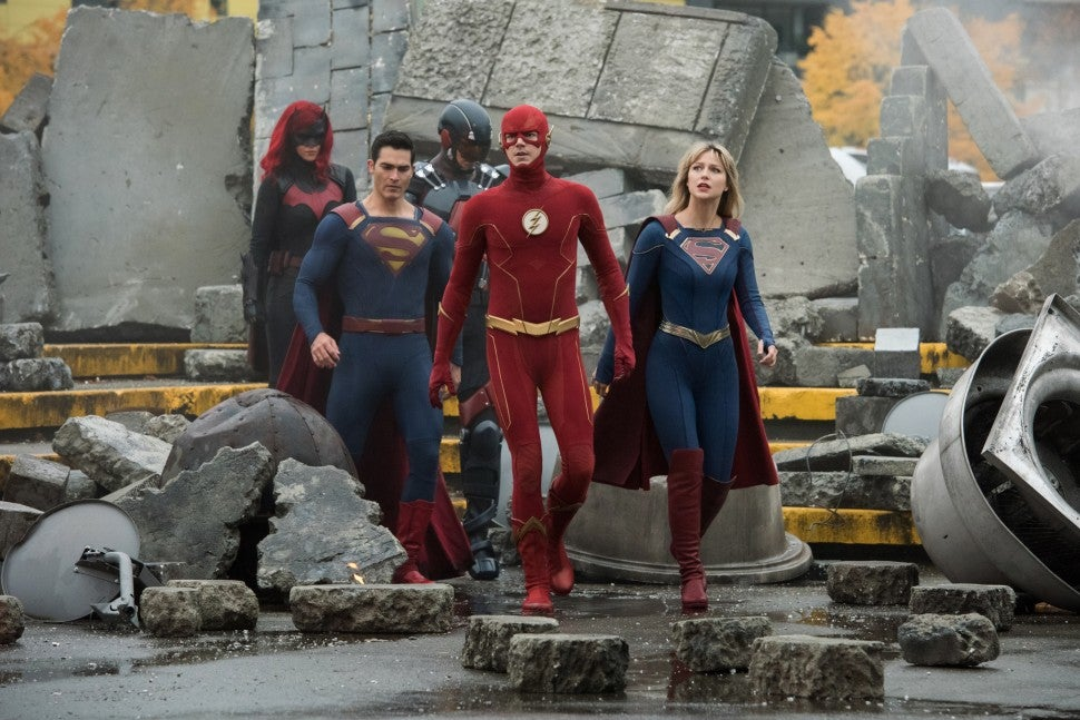 crisis on infinite earths the flash supergirl batwoman superman arrow