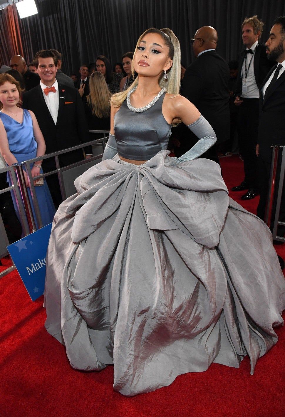 ariana grande brings parents to the 2020 grammys see the sweet photos entertainment tonight ariana grande brings parents to the