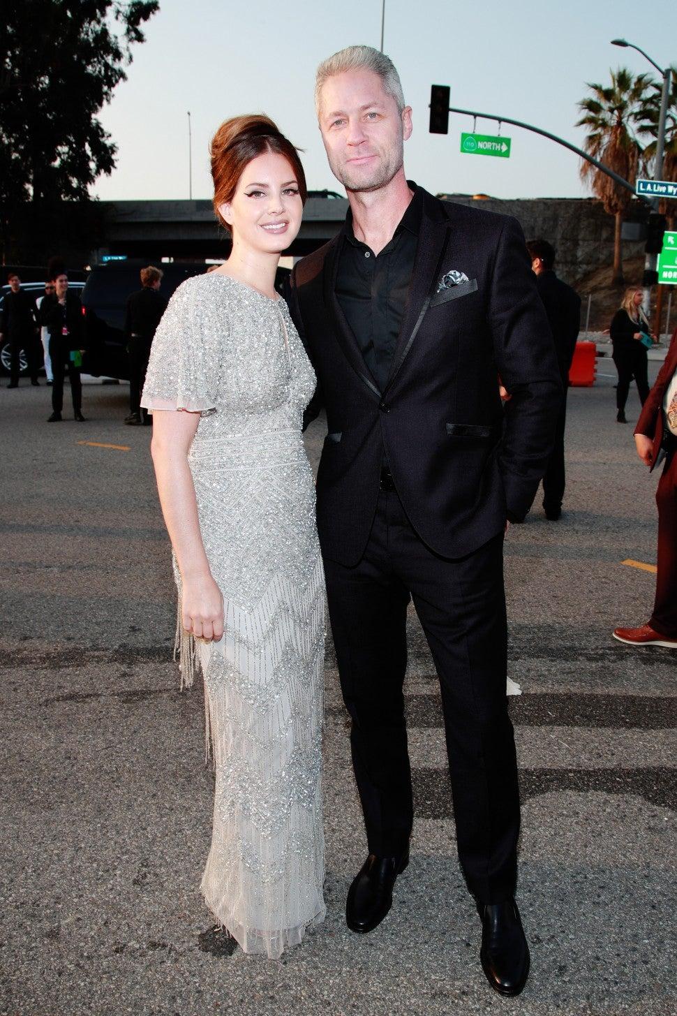 Lana Del Rey Makes Grammys Red Carpet Debut With Boyfriend Sean Larkin Entertainment Tonight