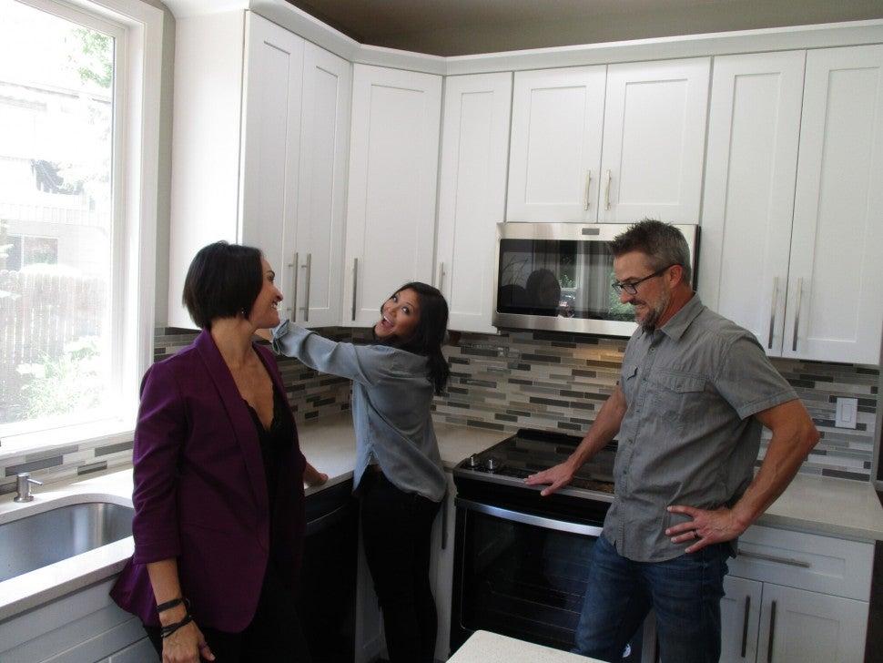 Lori, Geli and Brian on 'House Hunters'