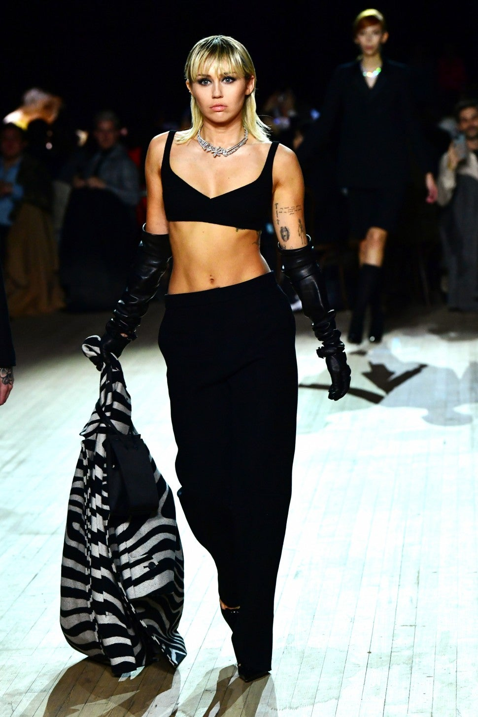 Miley Cyrus wallking in Marc Jacobs F/W 2020 fashion show