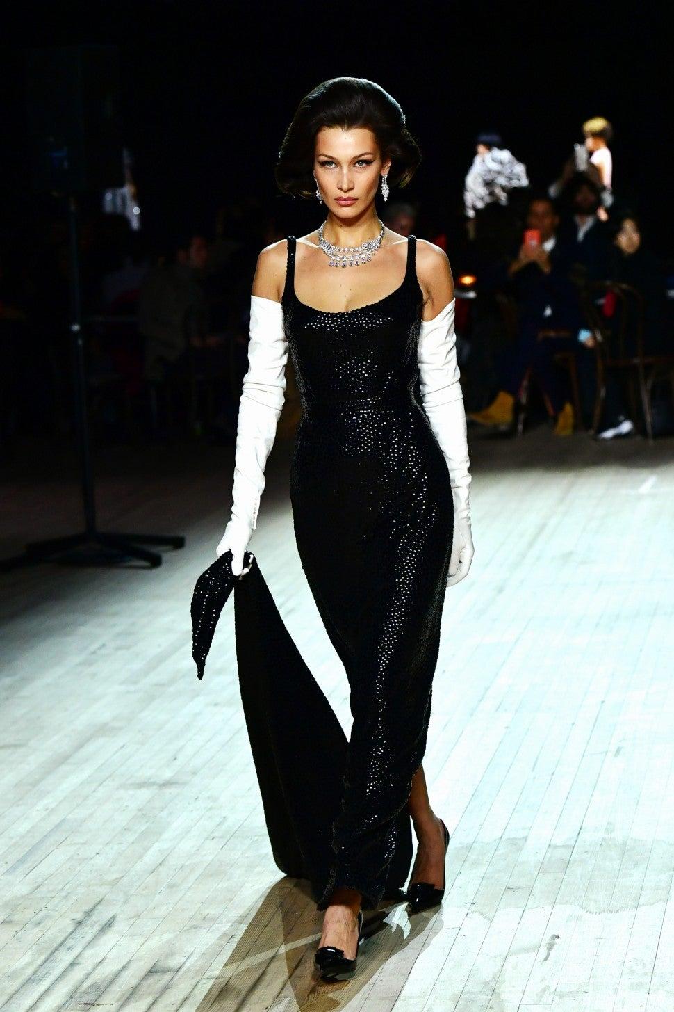 Bella Hadid walking in Marc Jacobs F/W 2020 fashion show