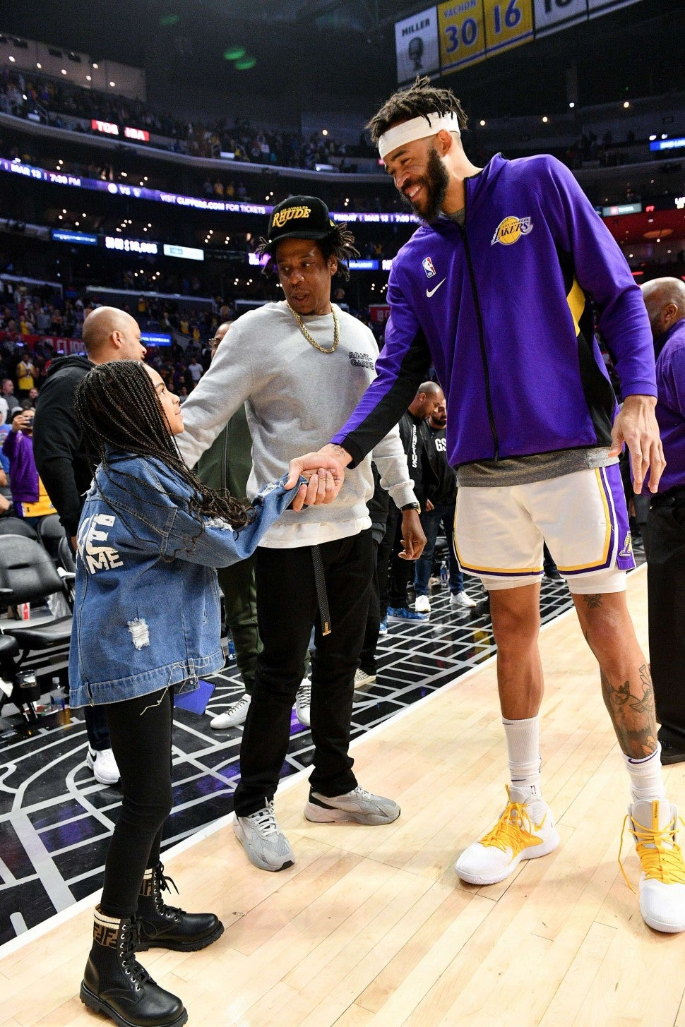 JaVale McGee meets Blue Ivy and Jay-Z at Lakers Game