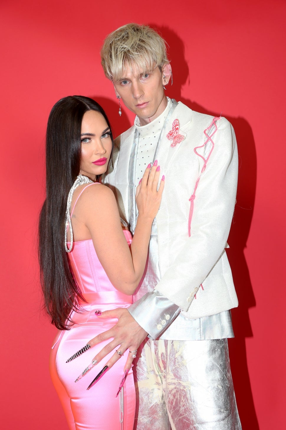 Machine Gun Kelly Shows Off Super Long Nails on Red Carpet With Megan Fox at 2021 iHeart Radio Awards | Entertainment Tonight