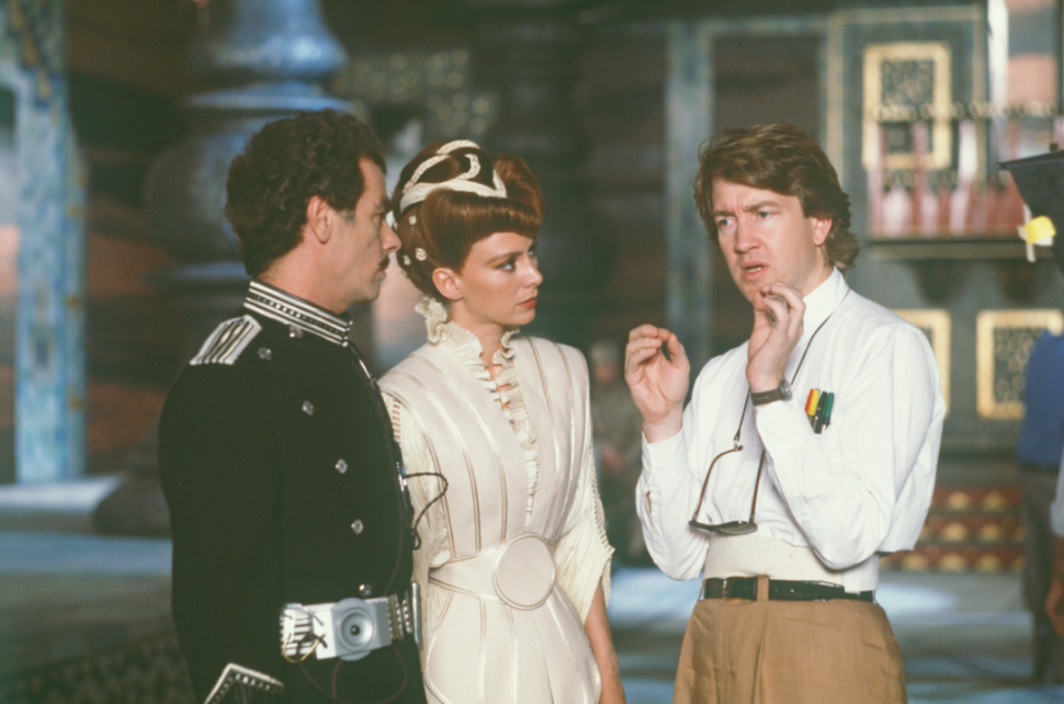 David Lynch directing actors on the set of 'Dune.'