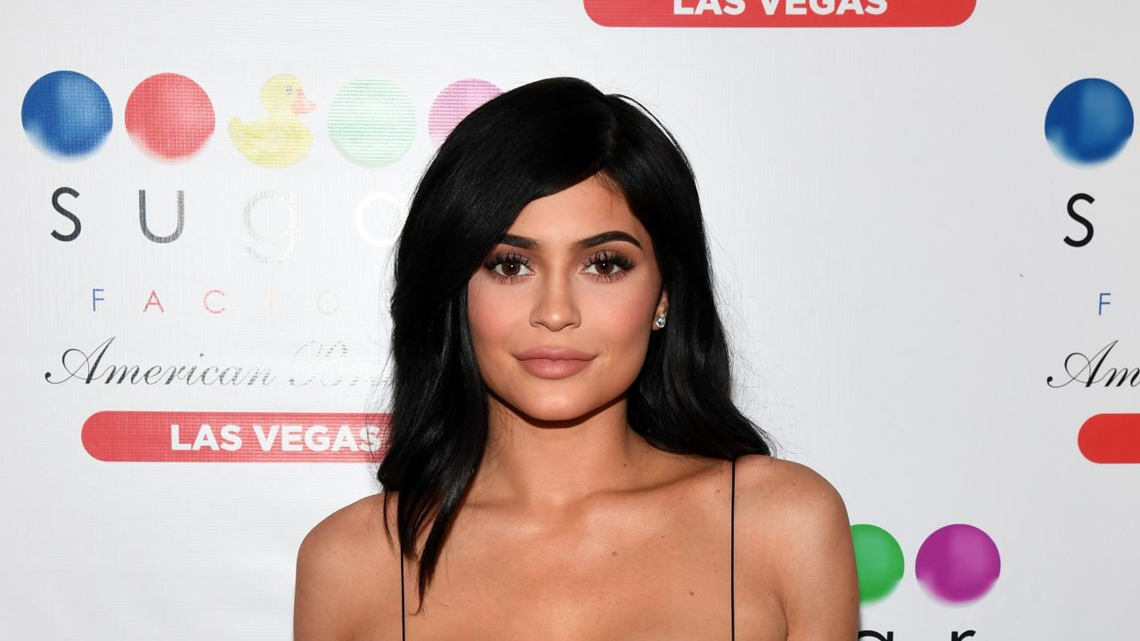 Kylie Jenner Shares Red Hot \'Love\' Magazine Cover Shot by Sister ...