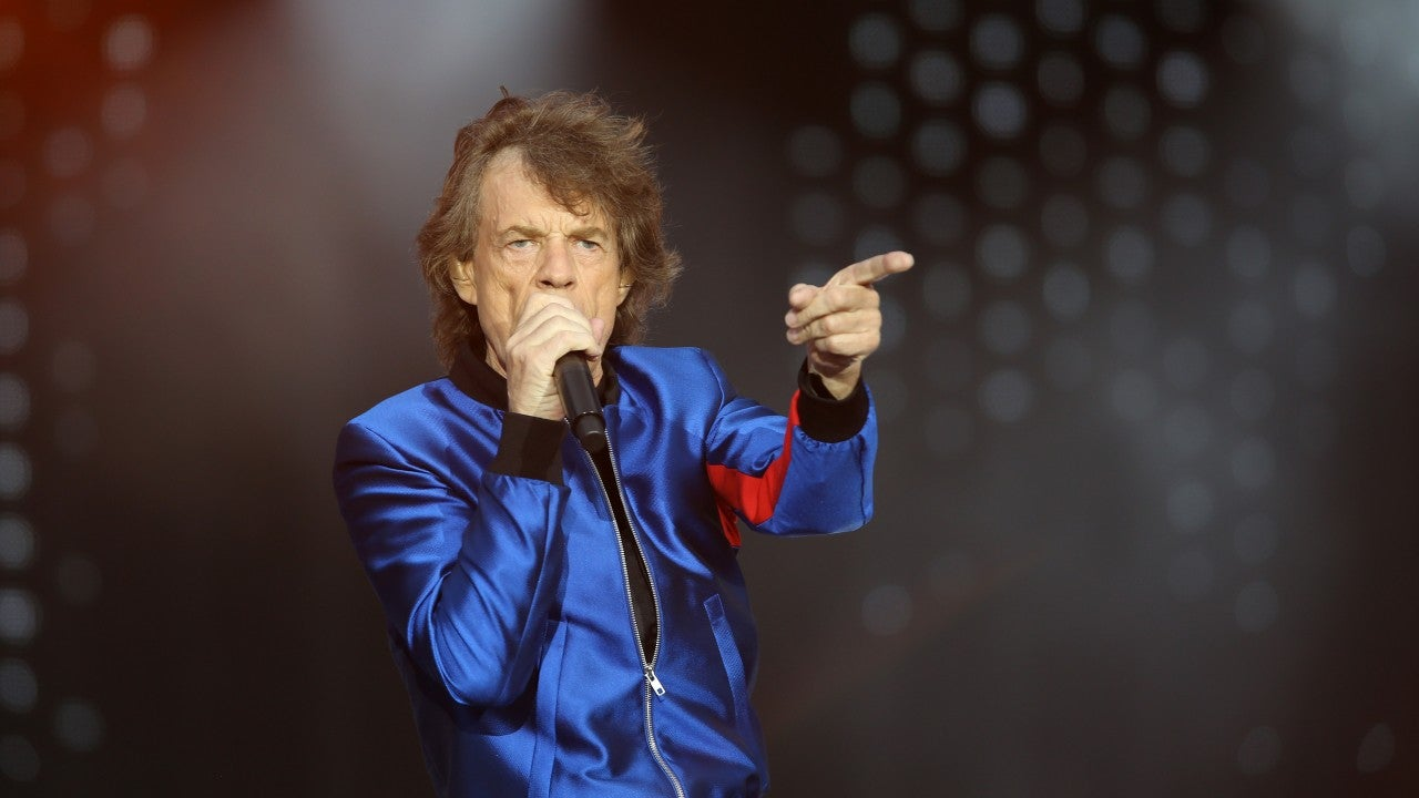 Mick Jagger Takes a Walk in the Park a Week After Heart Procedure