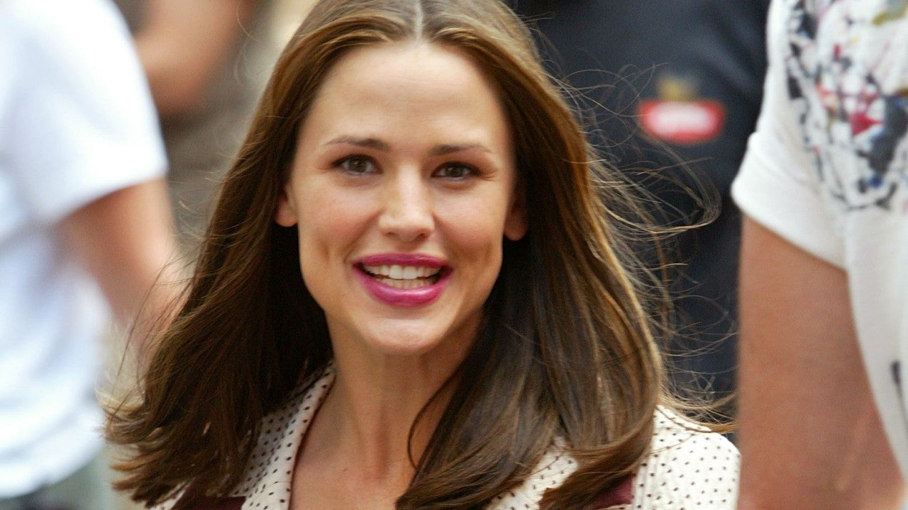 Jennifer Garner Has the Best Reaction to Fans Hoping for a '13 Going on 30' Sequel