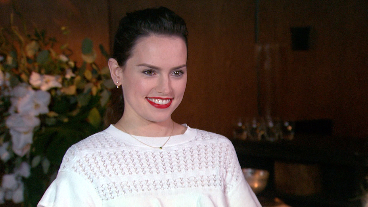 Daisy Ridley Clarifies Comments About Leaving u0027Star