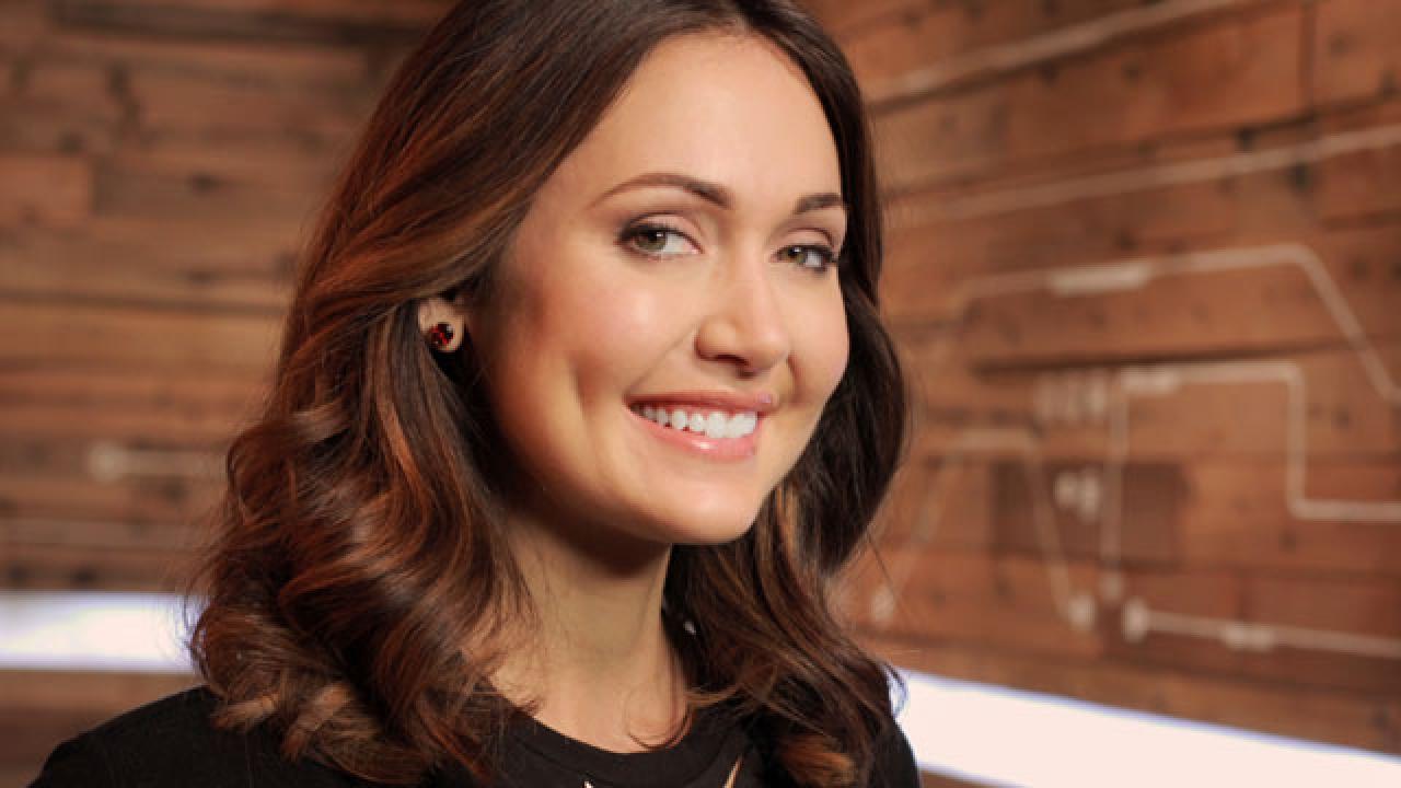 JESSICA CHOBOT Breaks Down on Nerdist News! - YouTube