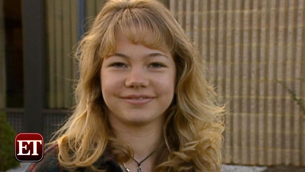 14 Year Old Michelle Williams Is Adorable On The Set Of