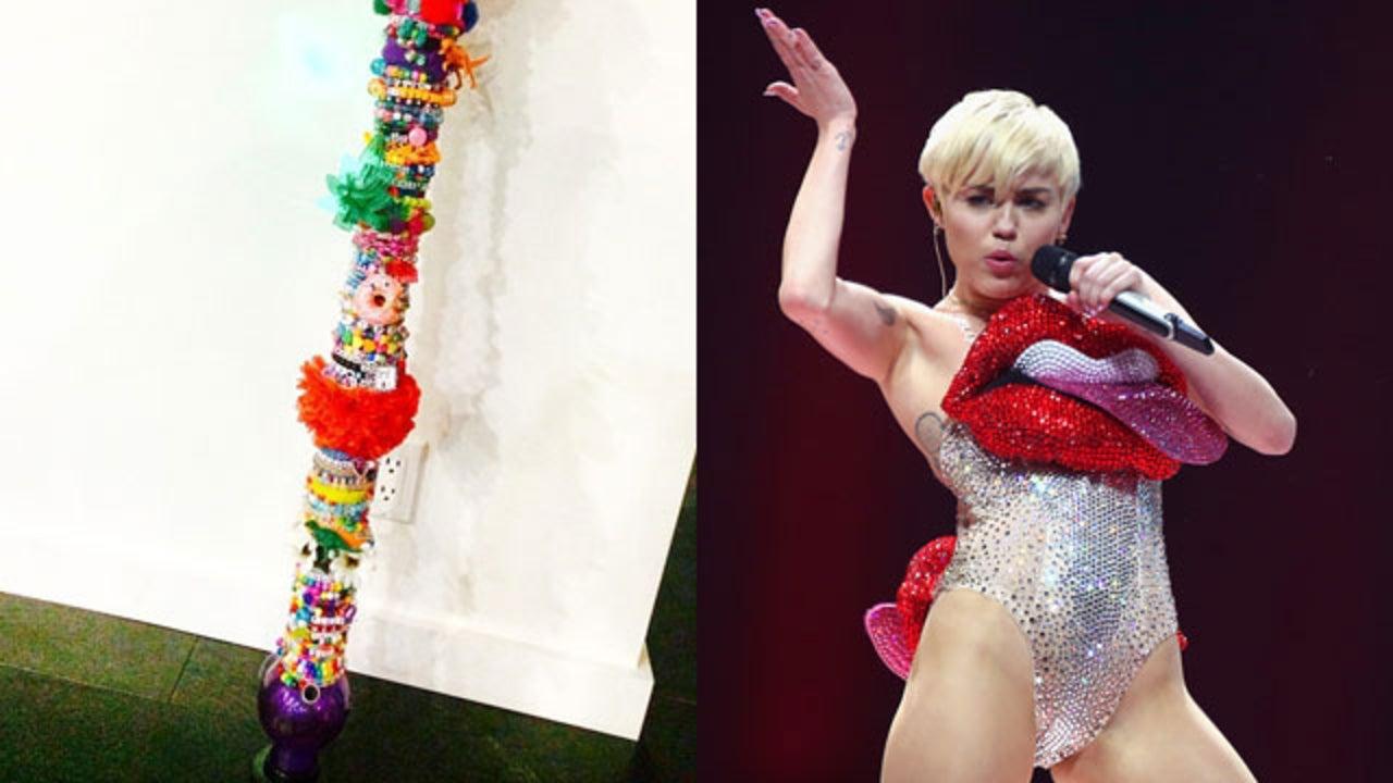 cameltoe Celebrites Miley Ray Cyrus naked photo 2017