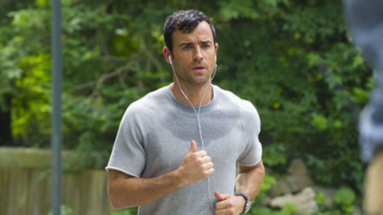 justin theroux finally acknowledges his  u0026 39 flopping package