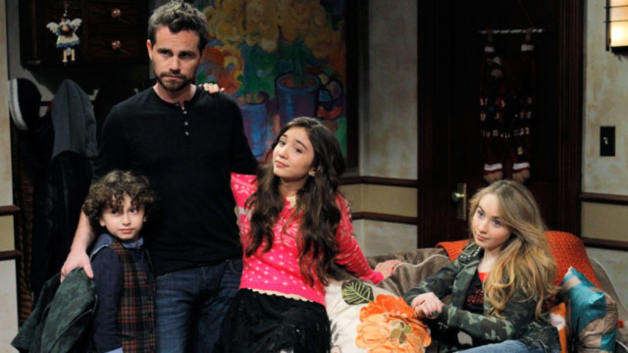 where to watch girl meets world renewed