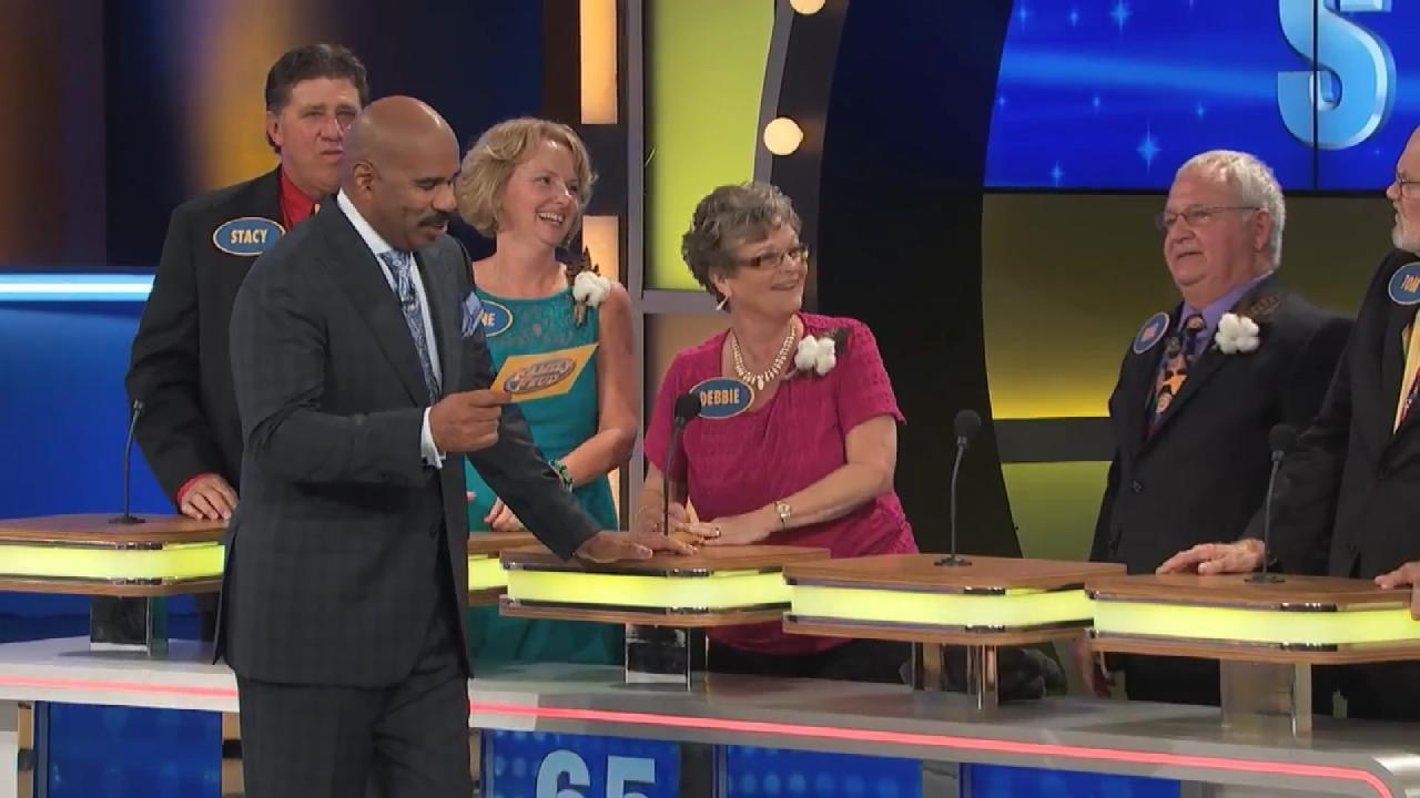 7 Hilarious 'Family Feud' Responses | Entertainment Tonight