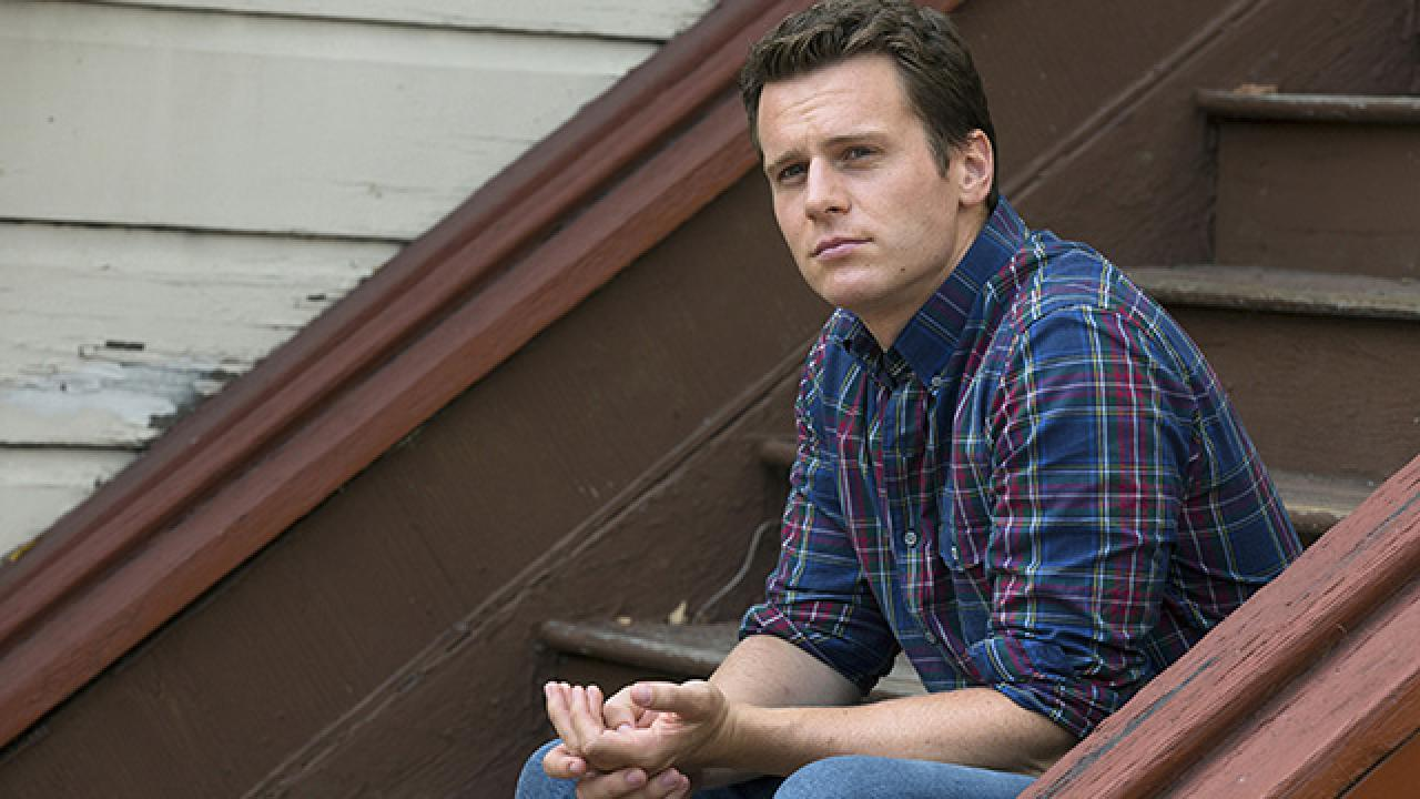 q a jonathan groff gets candid about gay sex on tv his