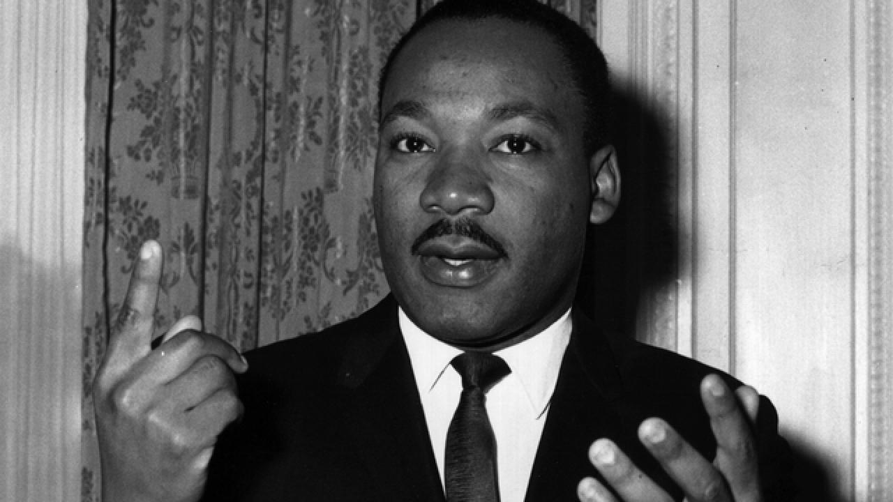 21 of Martin Luther King, Jr.'s Most Powerful Quotes ...
