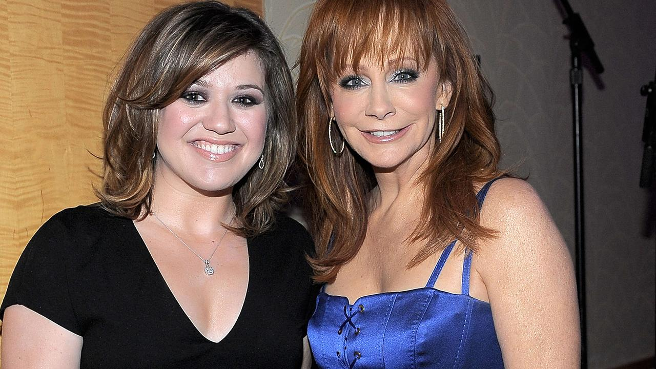 Reba mcentire defends daughter in law kelly clarkson 39 i for How many kids does reba mcentire have