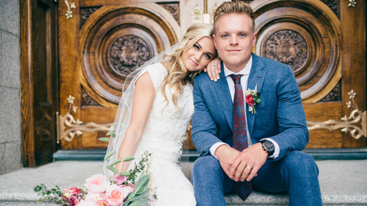 Dwts Pro Lindsay Arnold Marries Longtime Boyfriend Sam
