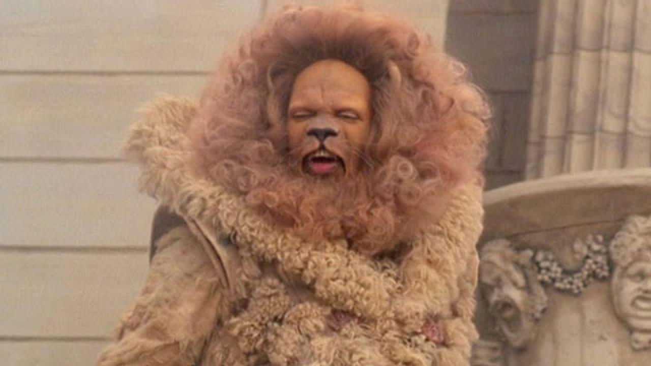 Who Is Playing The Cowardly Lion In Nbcs Wiz Entertainment Tonight