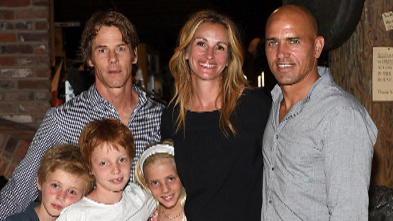 Julia roberts steps out with family see how big her for How many kids does chris stapleton have
