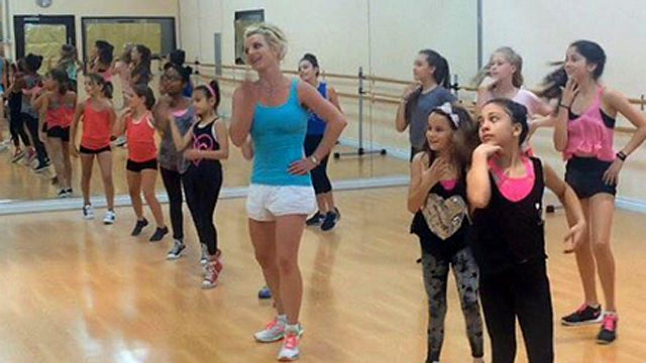 Britney Spears Surprises Young Dancers by Teaching Their ...