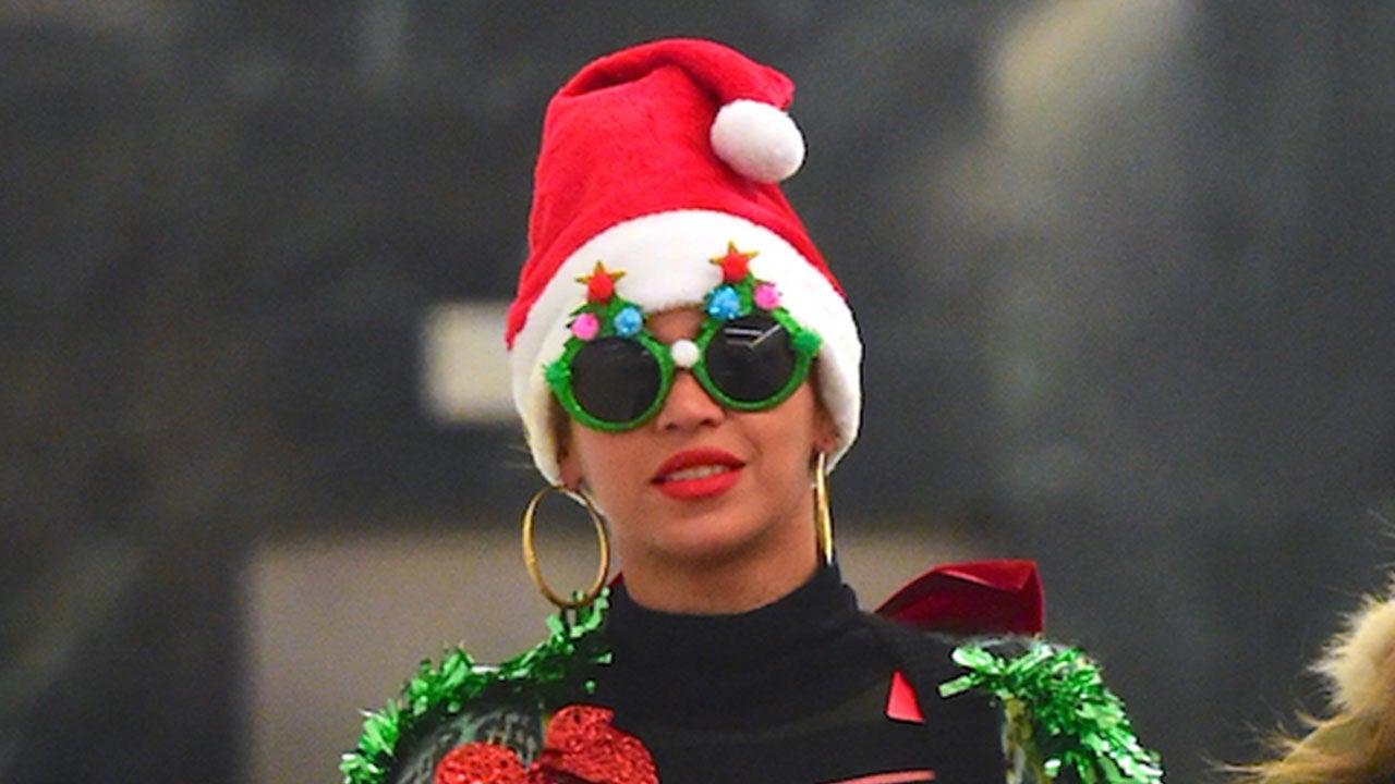 Beyonce Lights Up Nyc In Wacky Christmas Costume