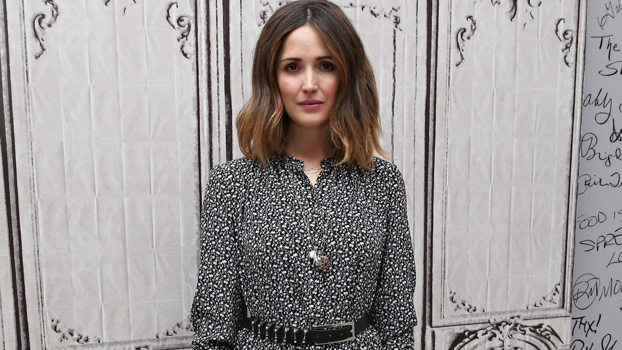 rose byrne shows off tiny waist two months after giving birth entertainment tonight. Black Bedroom Furniture Sets. Home Design Ideas