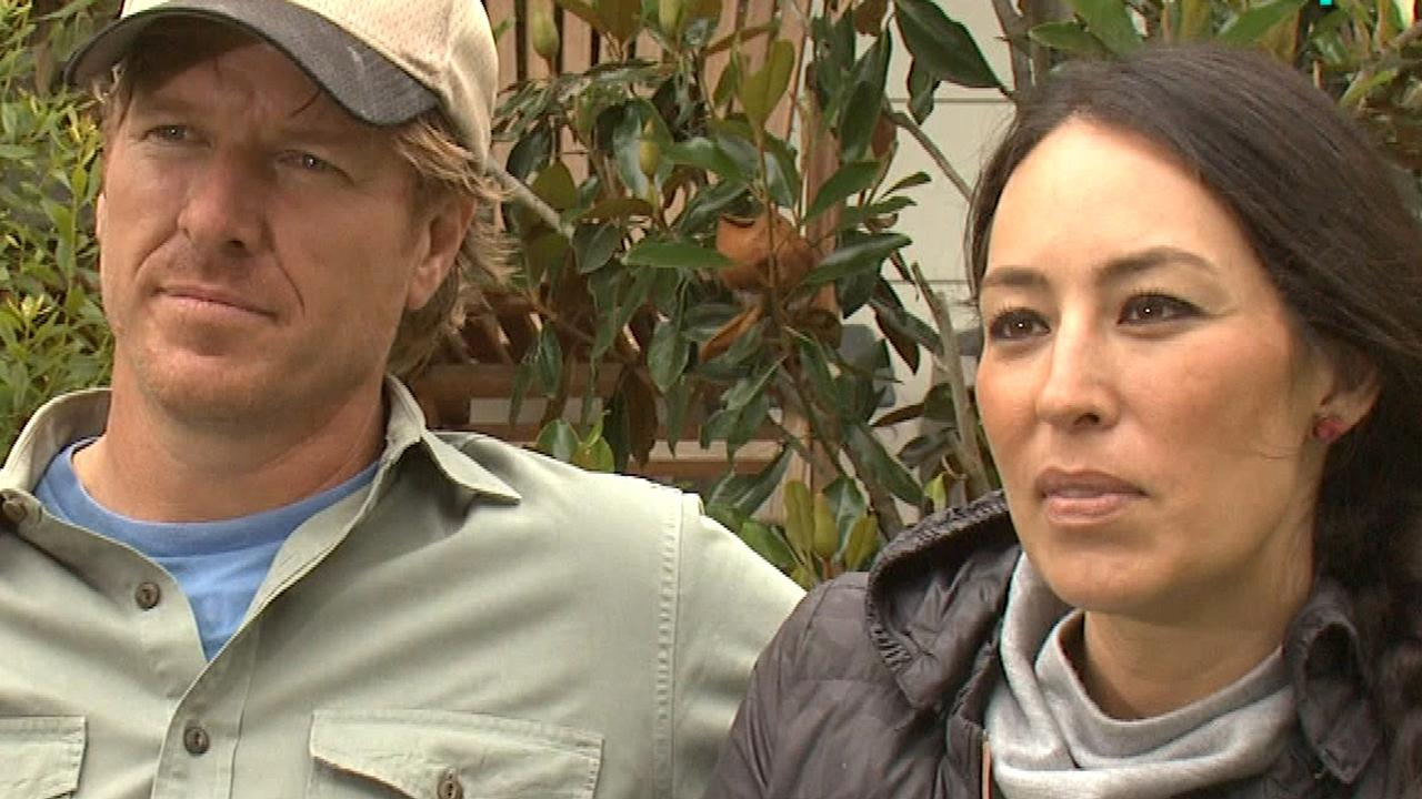 Exclusive meet the couple behind hgtv 39 s 39 fixer upper for Is joanna gaines really leaving fixer upper