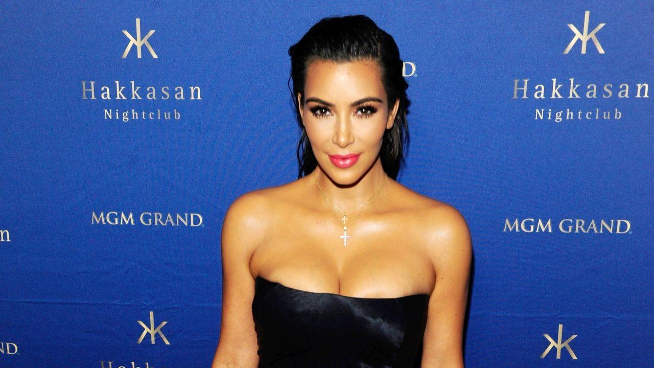 Kim Kardashian Enjoys Girls Night Out In Las Vegas After -2982