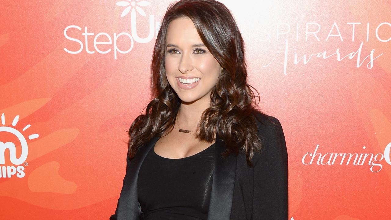 Lacey Chabert Gives Birth To Baby Girl See The Sweet Pic Entertainment Tonight