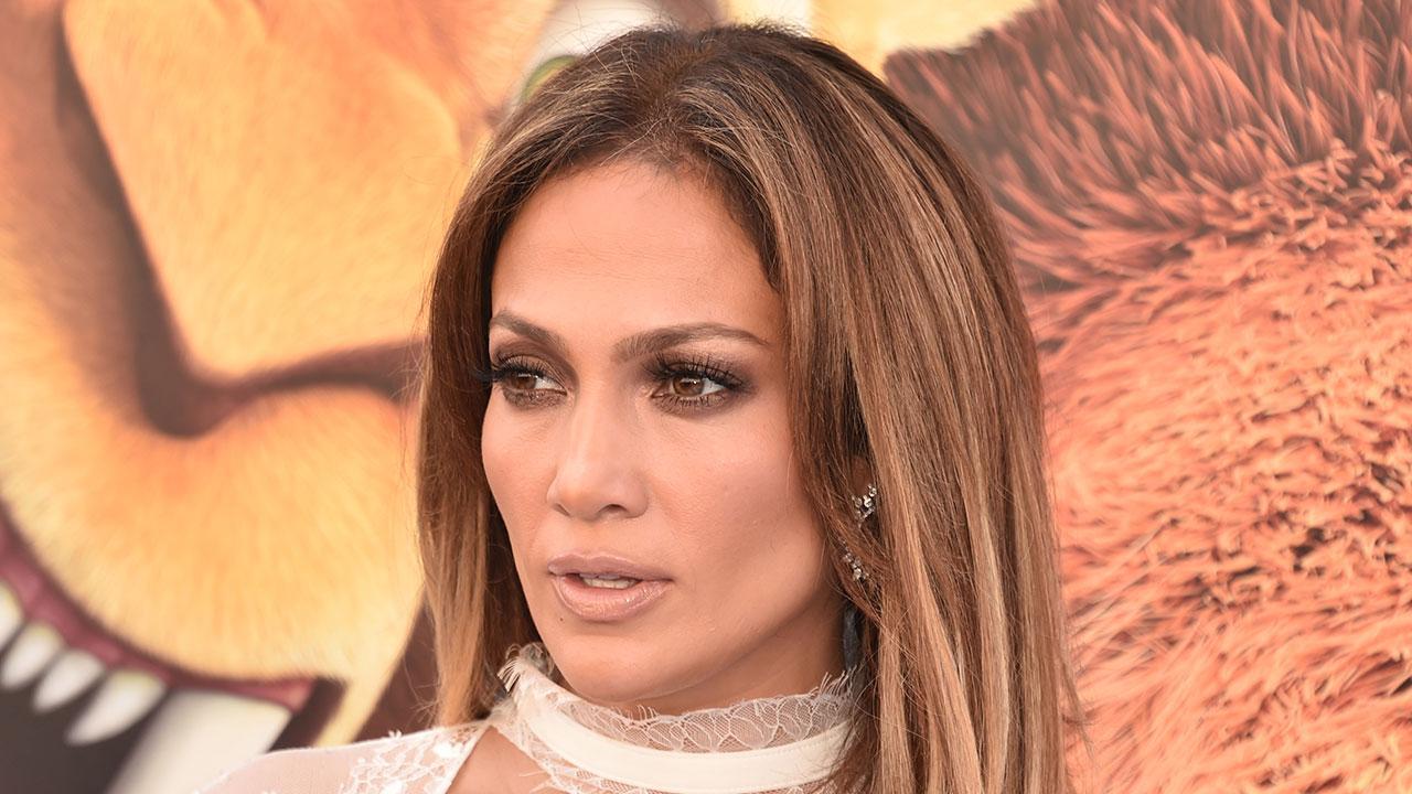 J Lo Hair Styles: Jennifer Lopez Shares Sexy Boxing Selfie On Instagram: