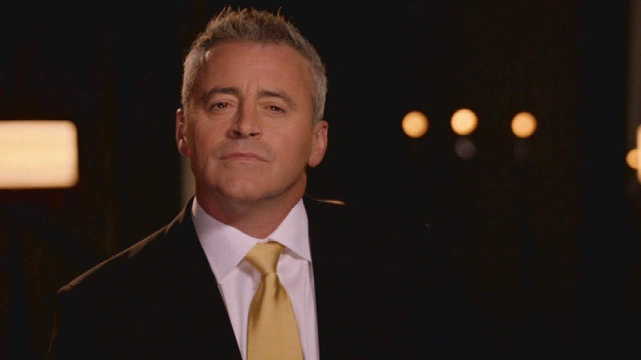 exclusive watch matt leblanc 39 s return to network tv with cbs 39 new comedy 39 man with a plan. Black Bedroom Furniture Sets. Home Design Ideas
