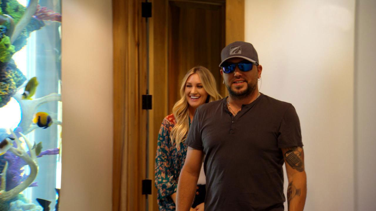 Exclusive Jason Aldean S Wife Brittany Surprises Him With