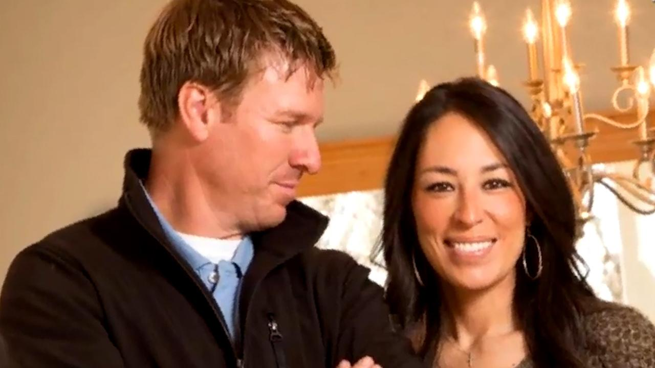 exclusive joanna and chip gaines reveal how they keep the spark alive after 13 years of. Black Bedroom Furniture Sets. Home Design Ideas