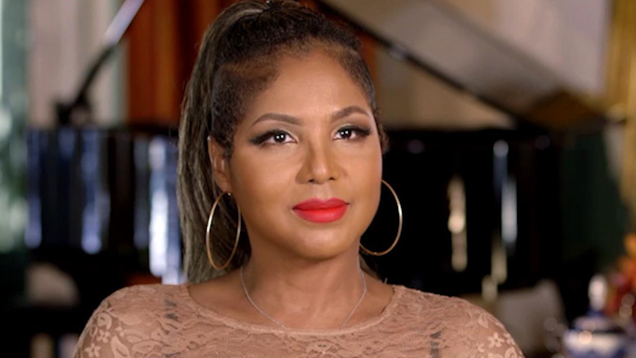 exclusive toni braxton gets a romantic surprise from