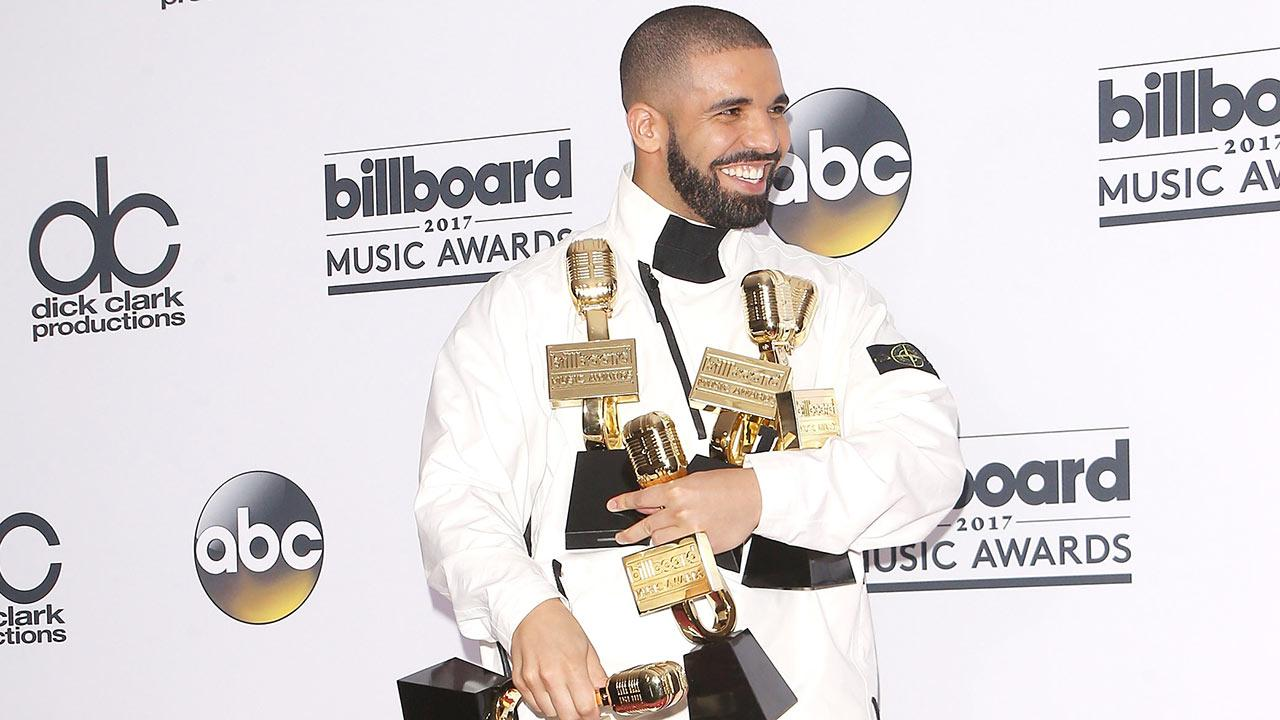 Drake Has The Best Night Ever  Breaks Adele U0026 39 S Record With 13 Wins At 2017 Billboard Music Awards