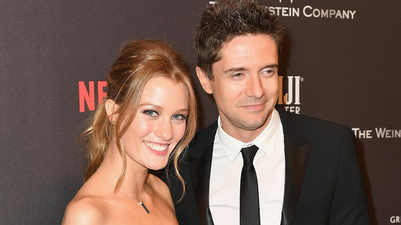 Topher Grace S Wife Ashley Hinshaw Confirms Her First