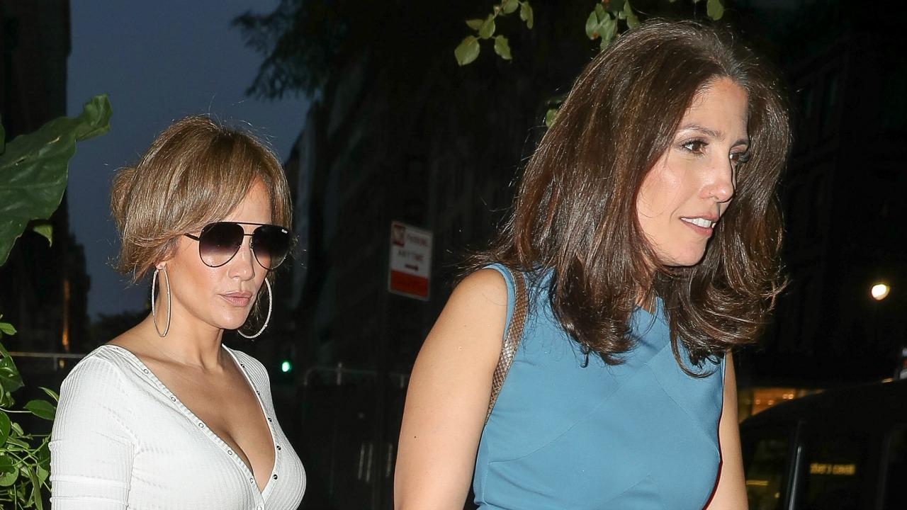 Jennifer Lopez And Sister Lynda Stylishly Step Out For