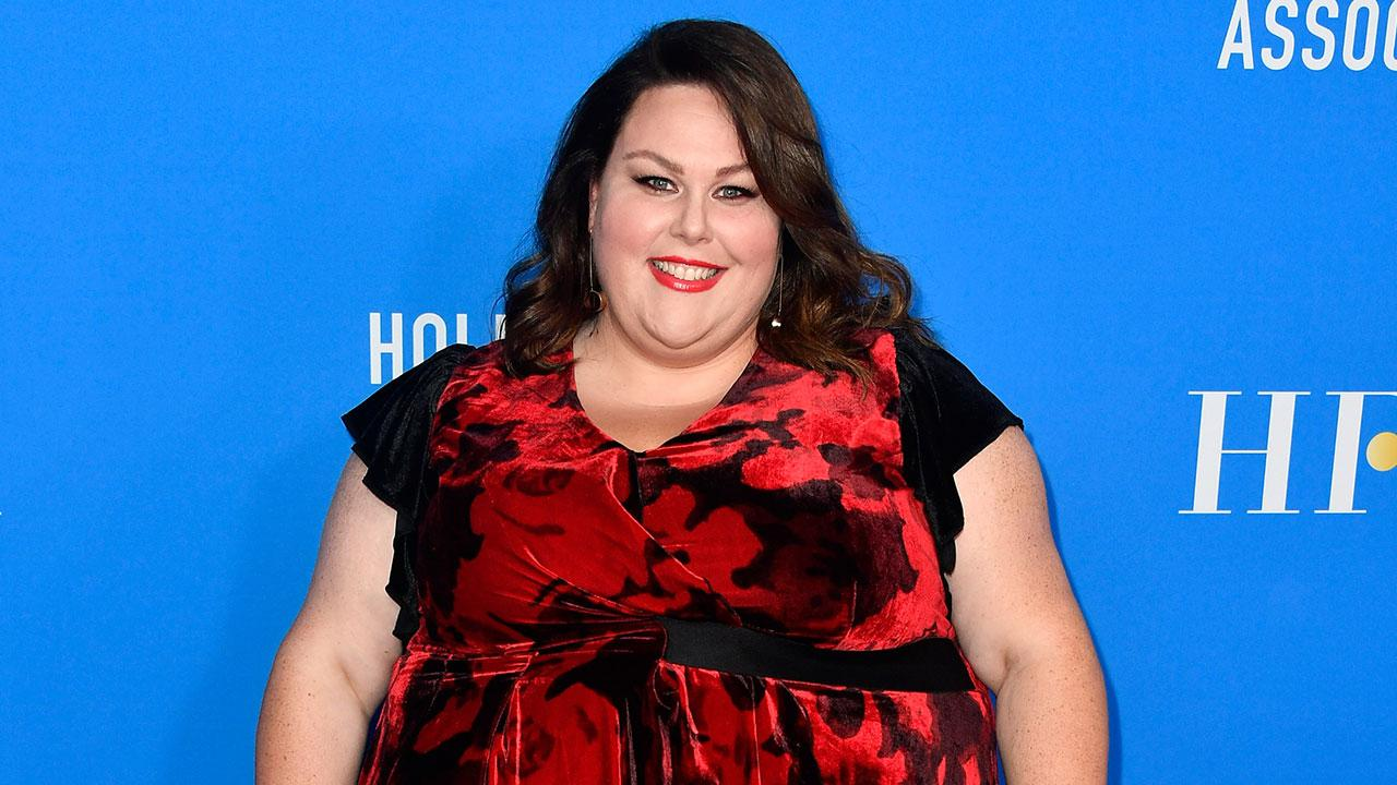 Exclusive chrissy metz dishes on 39 complicated 39 storyline for Exclusive metz