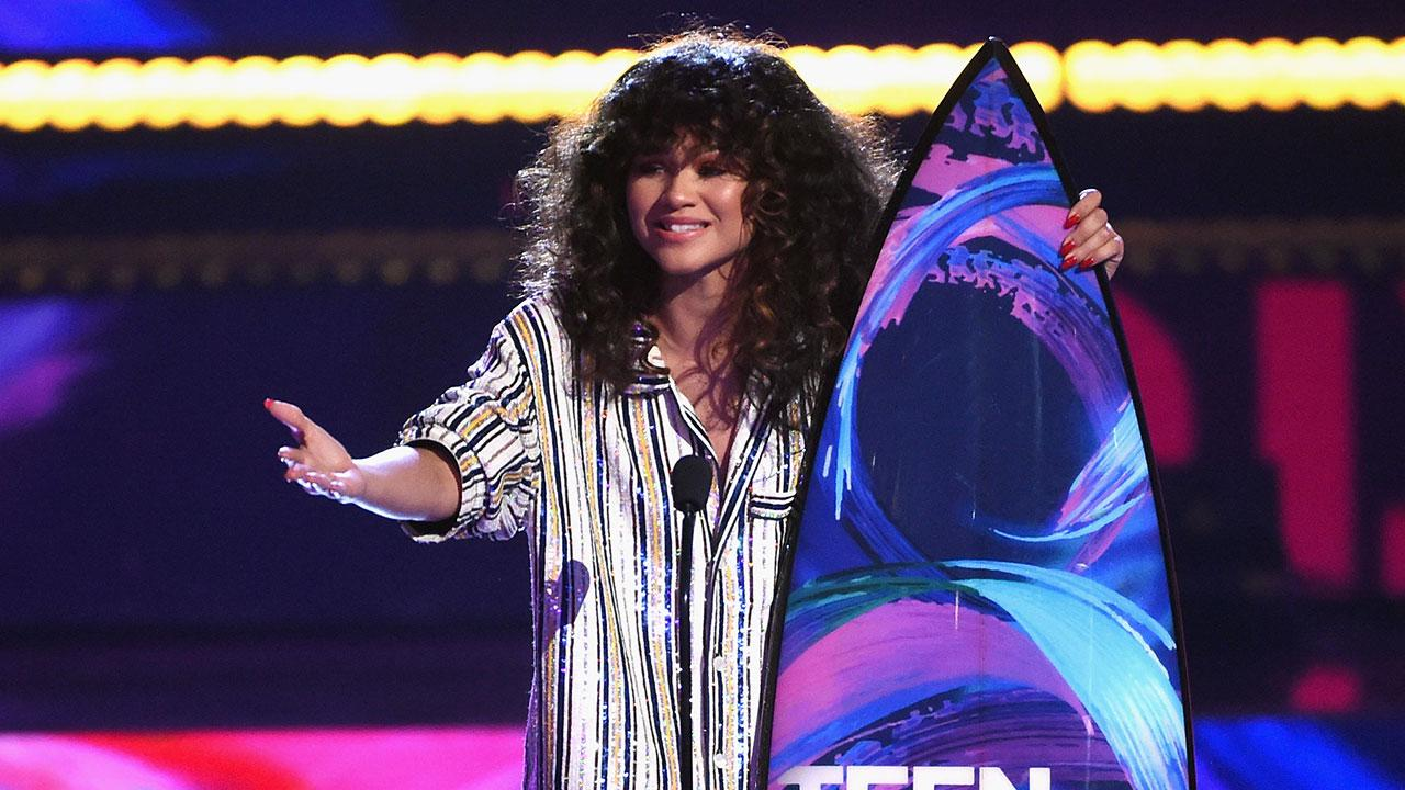 Color zen metacritic - Zendaya Shares Powerful Message At Teen Choice Awards Make Sure That You Stay Educated Entertainment Tonight
