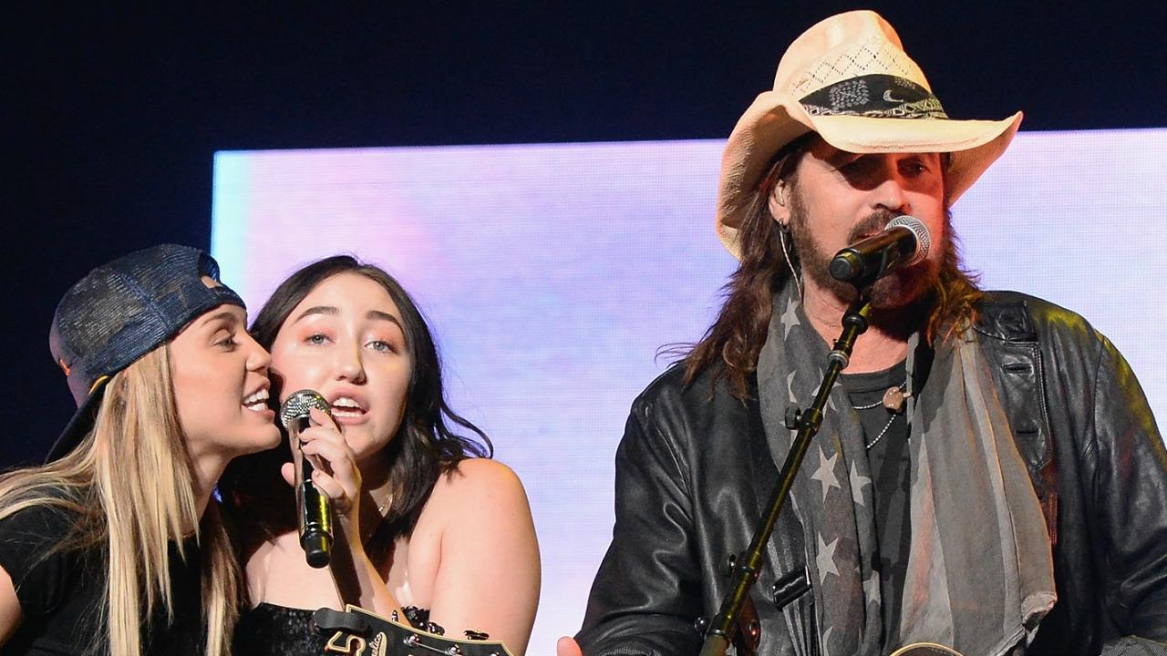 Honda Of Katy >> It's a Family Affair! Miley Cyrus and Billy Ray Cyrus Join ...