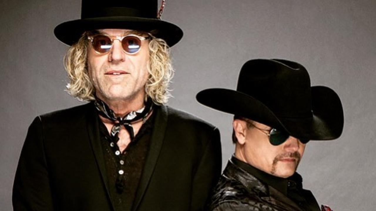 country duo big rich describe horrific las vegas. Black Bedroom Furniture Sets. Home Design Ideas