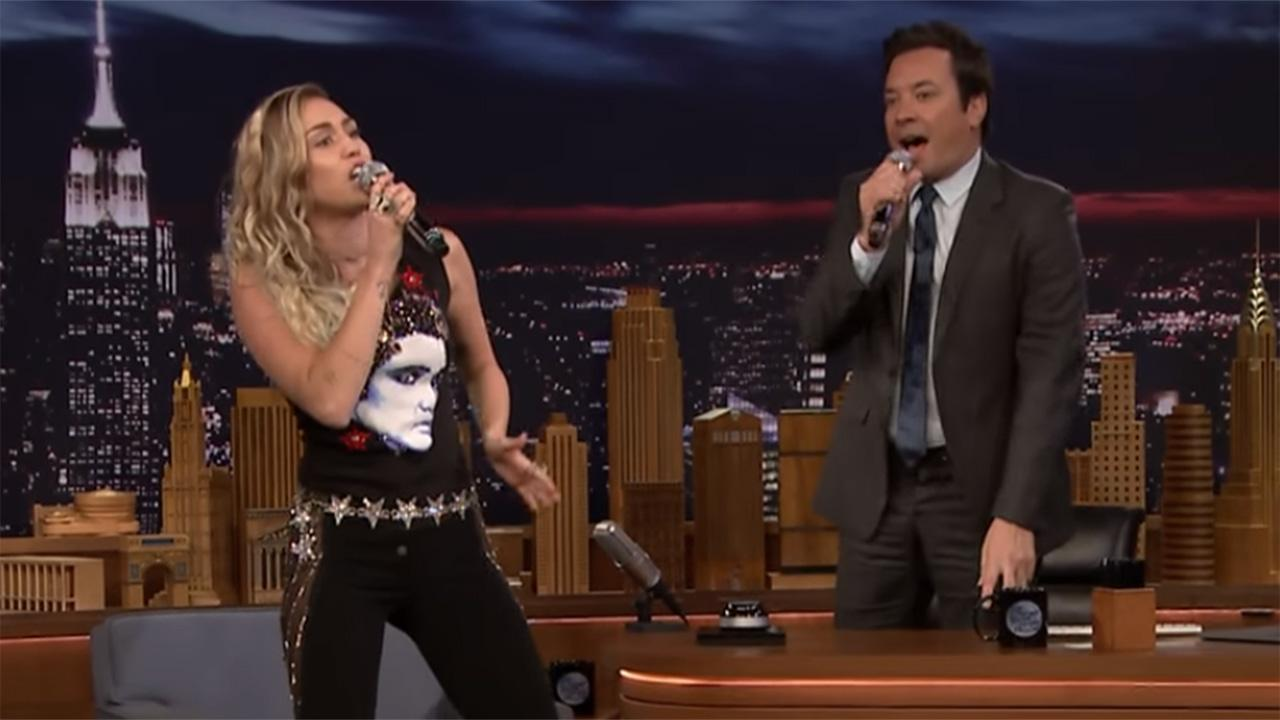 Miley cyrus sings pop cover of cardi b 39 s 39 bodak yellow for Jimmy fallon miley cyrus islands in the stream